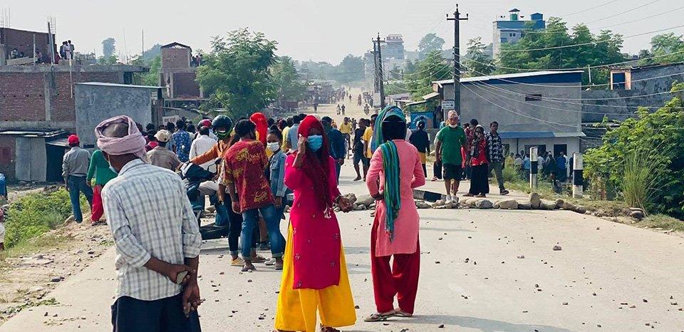 मोतिपुर औद्योगिक क्षेत्रमा भएको झडपमा चार जनाको मृत्यु