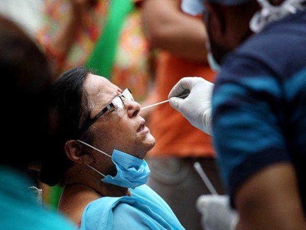 भारतमा एकैदिन तीन लाख ६६ हजार सङ्क्रमित थपिए, तीन हजार ७५४ को मृत्यु