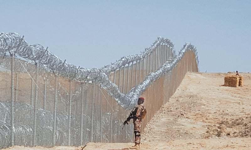 पाकिस्तानले अफगान सीमामा तारबारको कामलाई पूर्णता दिने